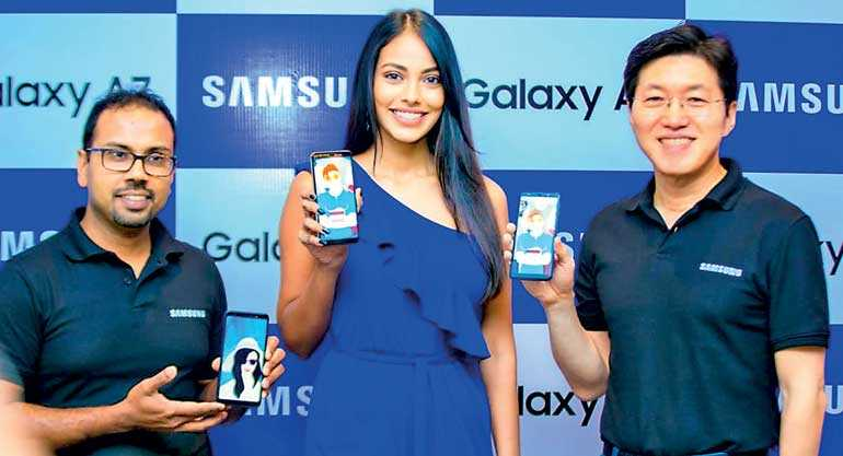 Samsung's first triple camera smartphone Galaxy A7 debuts in