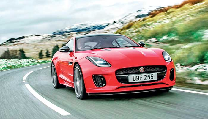 new jaguar f type 4 cylinder pure sports car with greater agility and efficiency at sml. Black Bedroom Furniture Sets. Home Design Ideas