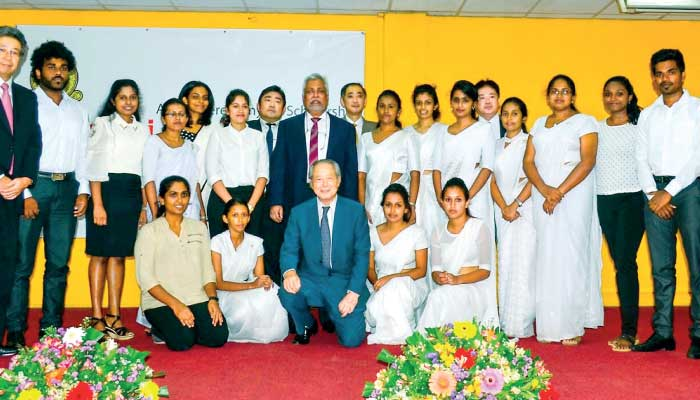 17 Colombo Uni. students receive Mitsubishi UFJ Foundation scholarships