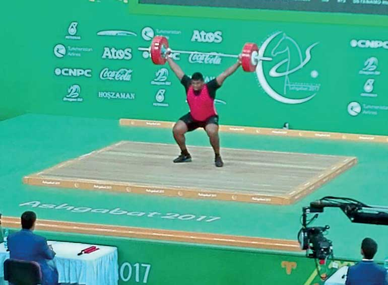 Ushan Charuka breaks national weightlifting record in over 105 kg category