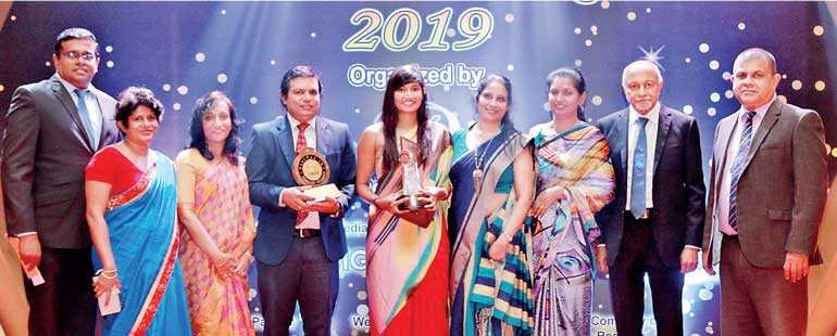 Nibm Receives Gold Award For Best University And Education Institute Category From Bestweb Lk 2019 Daily Ft