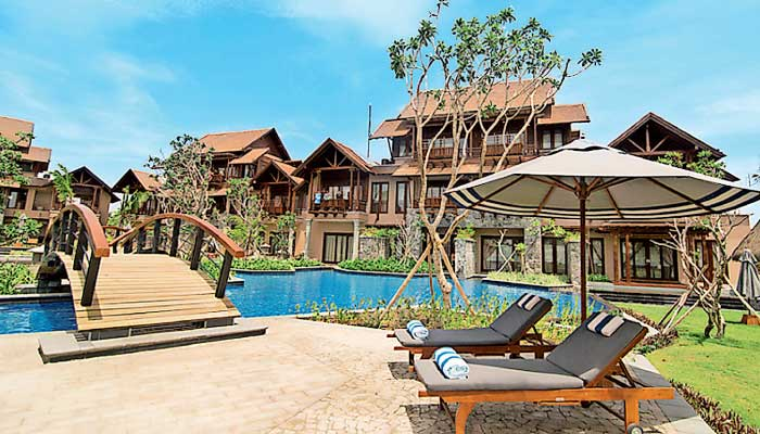 classification of resort Common type of markets include business, airport, suites, residential, resort , timeshare , casino , convention and conference hotels what are the hotel classification by target service level world class sevice hotels mid-range service hotels limited service hotels edit.