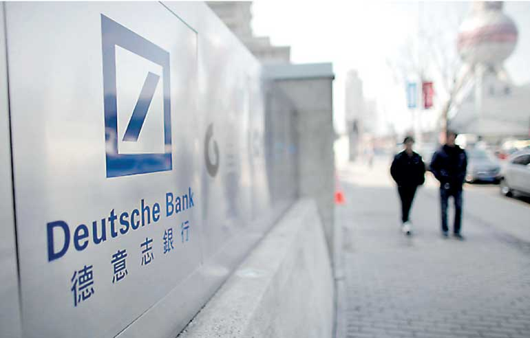 Deutsche bank suspends forex traders