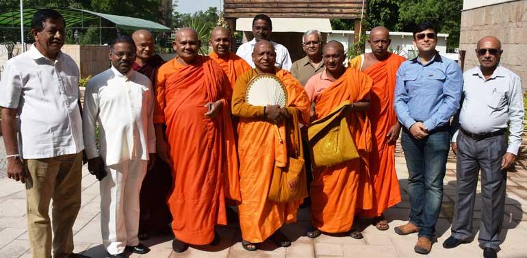 Sri-Lankan-Monks-visit-to-Pakistan