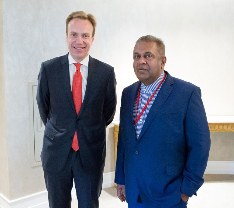 Minister-Samaraweera-with-Norway-Foreign-Minister