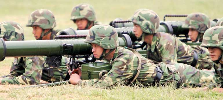 Chinese-troops-in-firing-practice